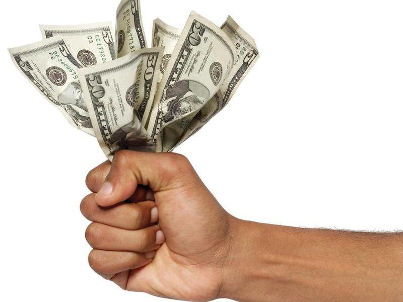 -TDABrd_07-18-2013_Advertiser_1_A001~~2013~07~17~IMG_TONED_hand_money_1_1_PQ.jpg