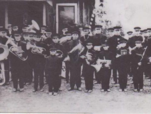 1915 Frank Baranco Boys Band.jpg